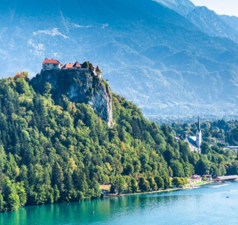 Lake and Mountain Wedding Venues Abroad - Packages & Themes