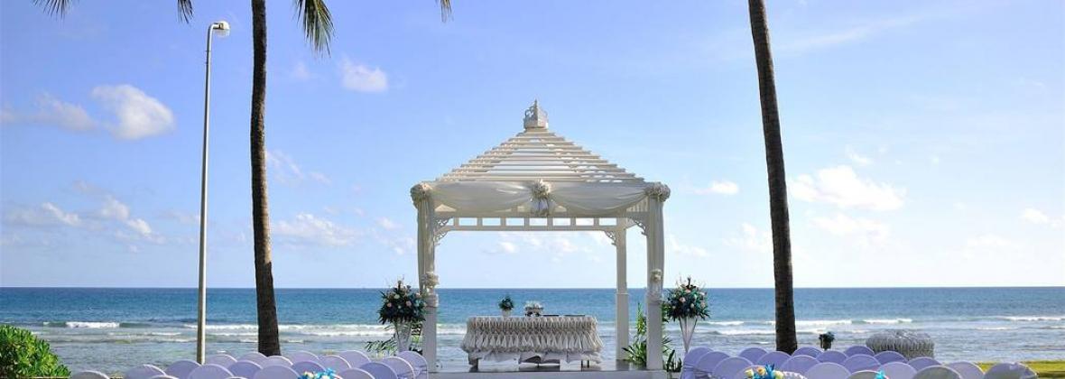 Merlin beach resort thailand wedding