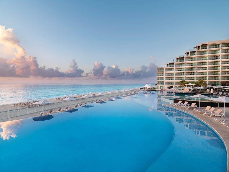 Weddings Abroad At Hard Rock Hotel Cancun Mexico Weddings