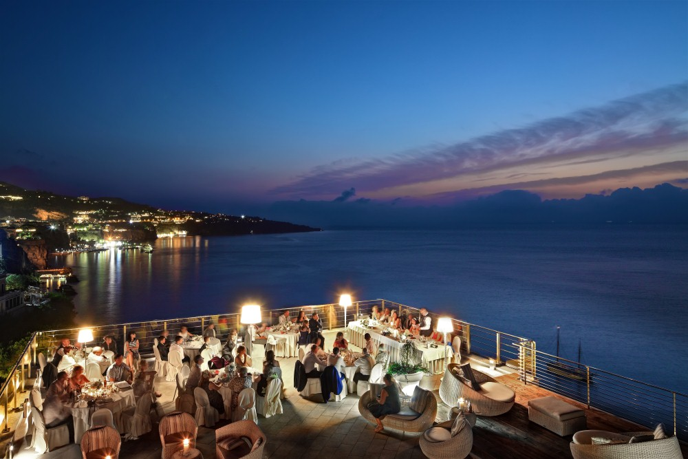 Weddings Abroad At Hotel Mediterraneo Sorrento Weddings