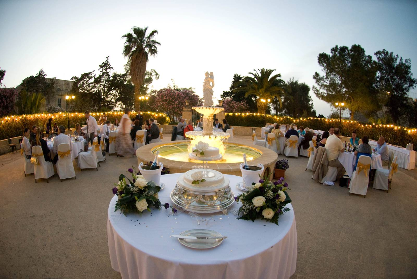 Hotel Phoenicia Weddings Get Married At The Hotel Phoenicia