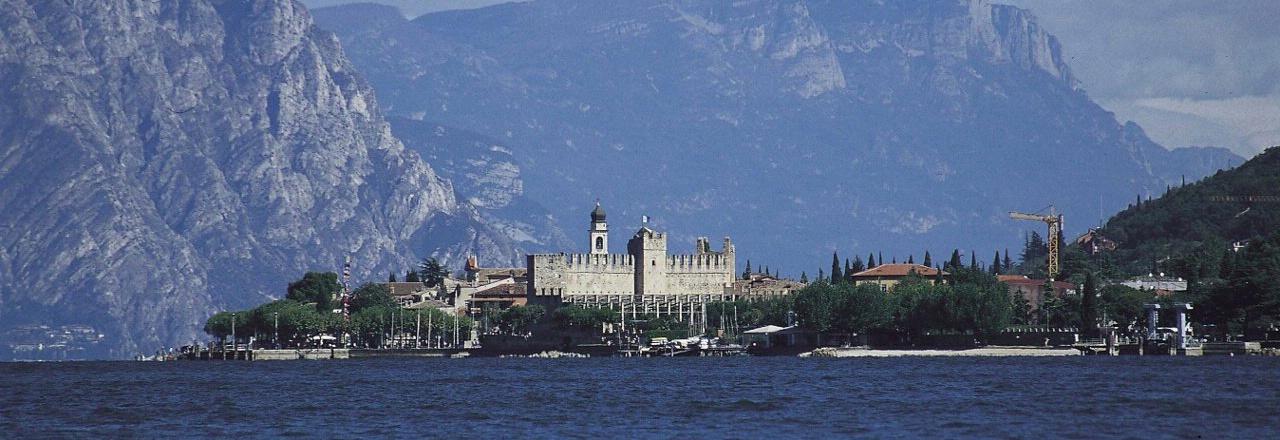 Torri Del Benaco Castle Tower Perfect Weddings Abroad