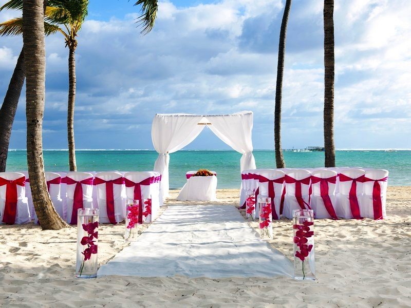 Weddings Abroad At The Barcelo Bavaro Beach In Barbados