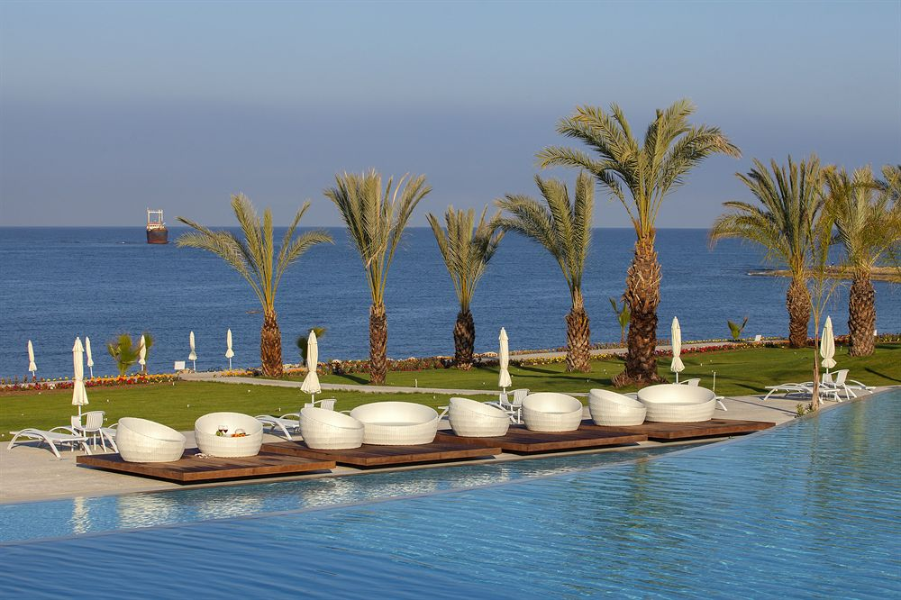 Weddings At King Evelthon Beach Hotel And Resort In Cyprus